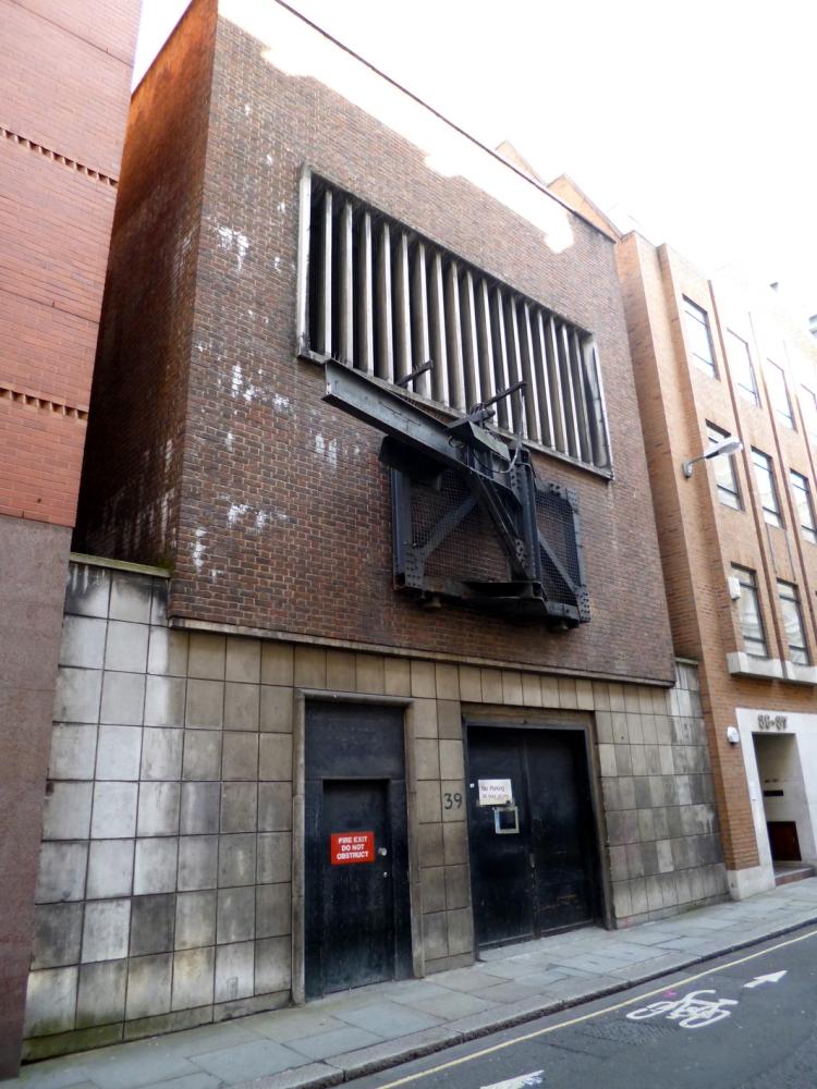 39 Furnival Street - The Gateway to a Secret Underground World... (1/6)