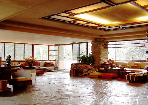 Fallingwater-Living-Room-.-Image-flohaus.com_