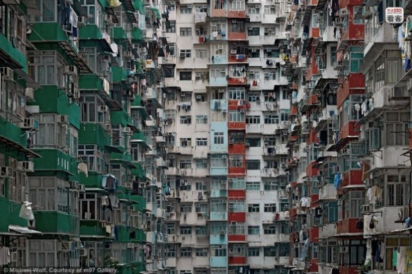 hong-kong-residential-buildings-michael-wolf-architecture-of-density-04-600x400