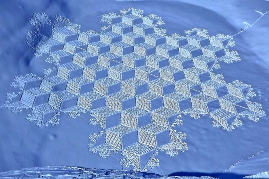 Simon-Beck-Snow-art2-537x357