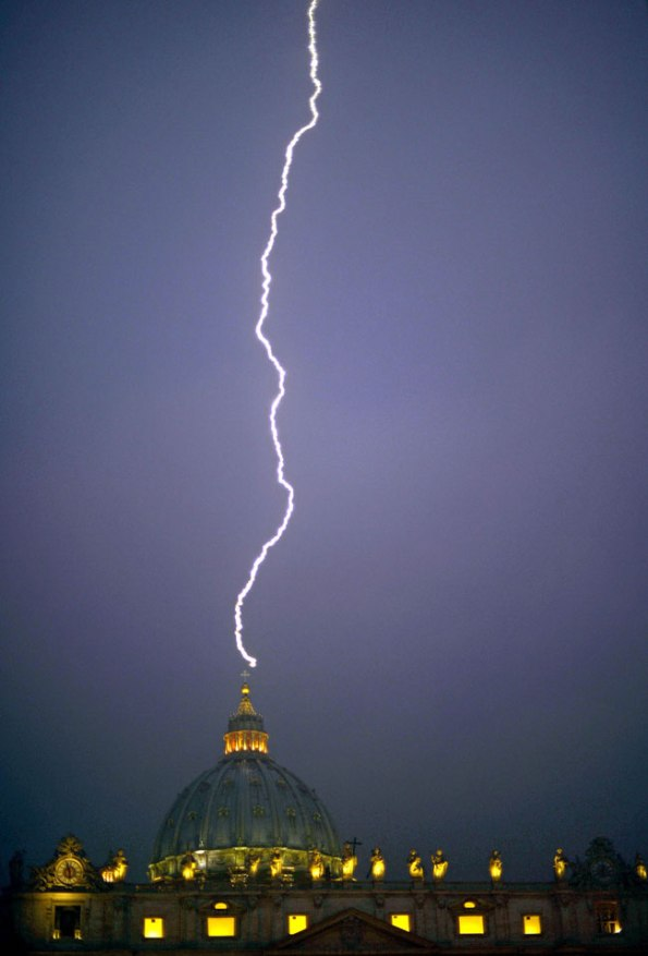 170433-lightning-hits-vatican