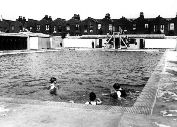 millwall park 1925 IoD Swimming Pool