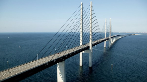 Oresund-Bridge-Linking-Denm