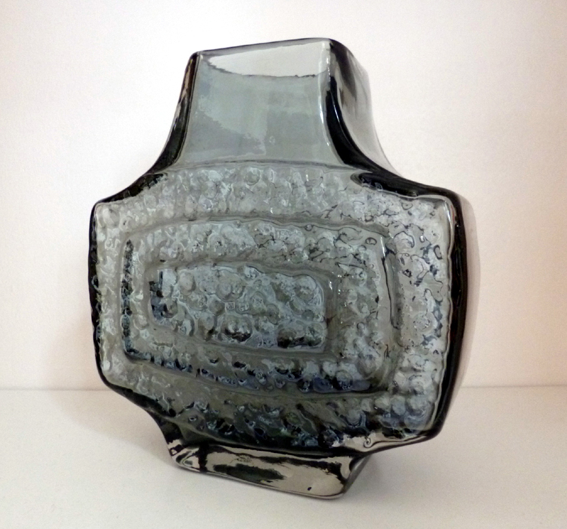 Object Of The Day Whitefriars Concentric Tv Vase Joe Blogs